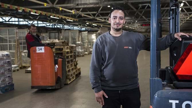 Khaled Fawzi Rahma har været hos Danske Fragtmænd i Odense, siden han flygtede til Danmark fra Syrien sidste år.