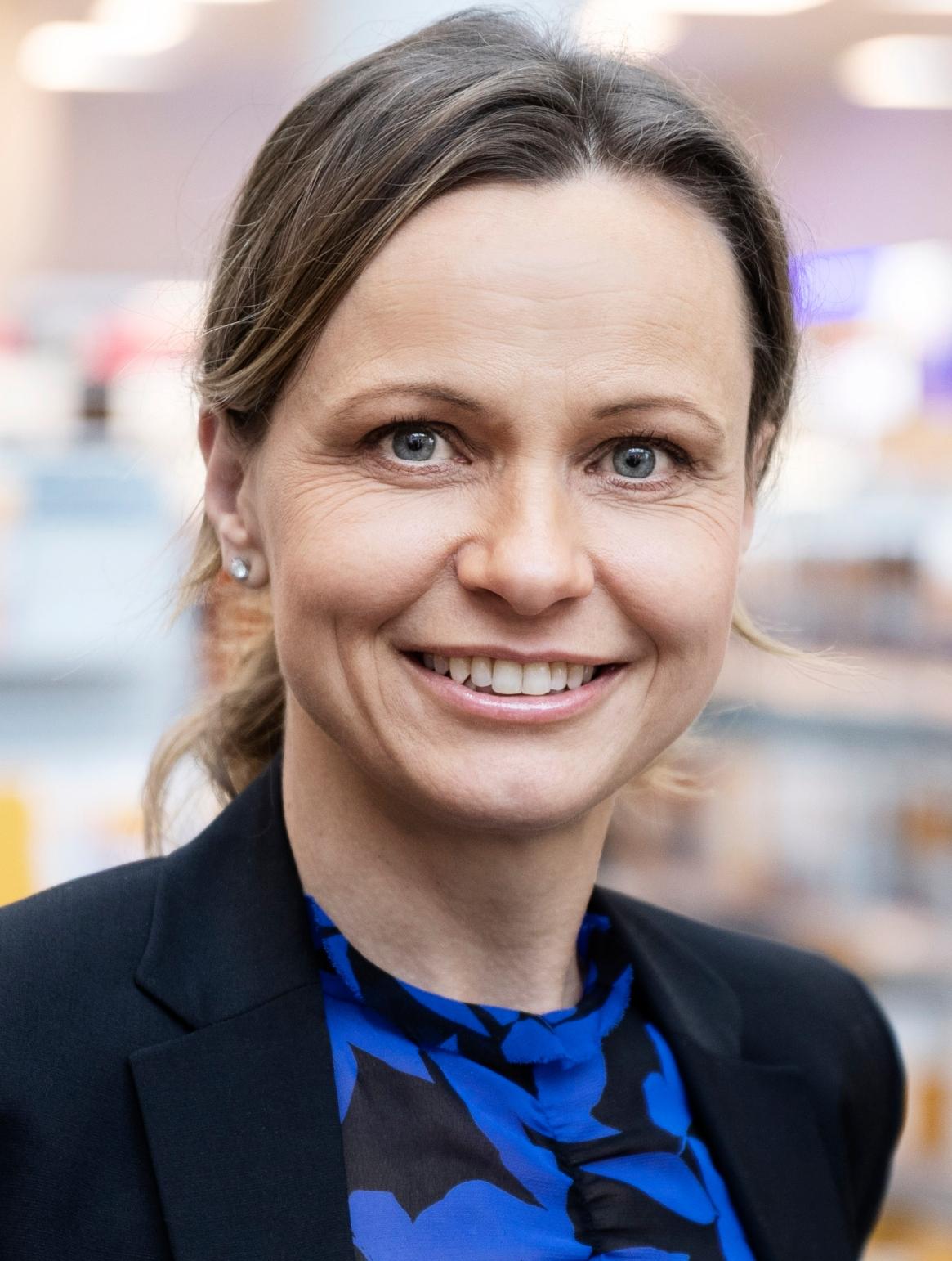 Britta K. Stenholt